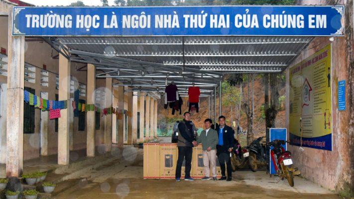 Bàn giao máy lọc nước cho các trường bán trú trên địa bàn tỉnh Hà Giang